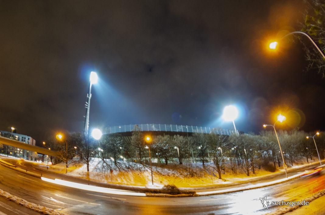Grünwalder Stadion mit Flutlicht