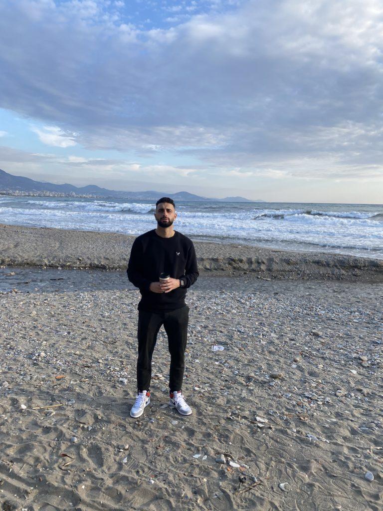 Efkan Bekiroglu am Strand von Alanya