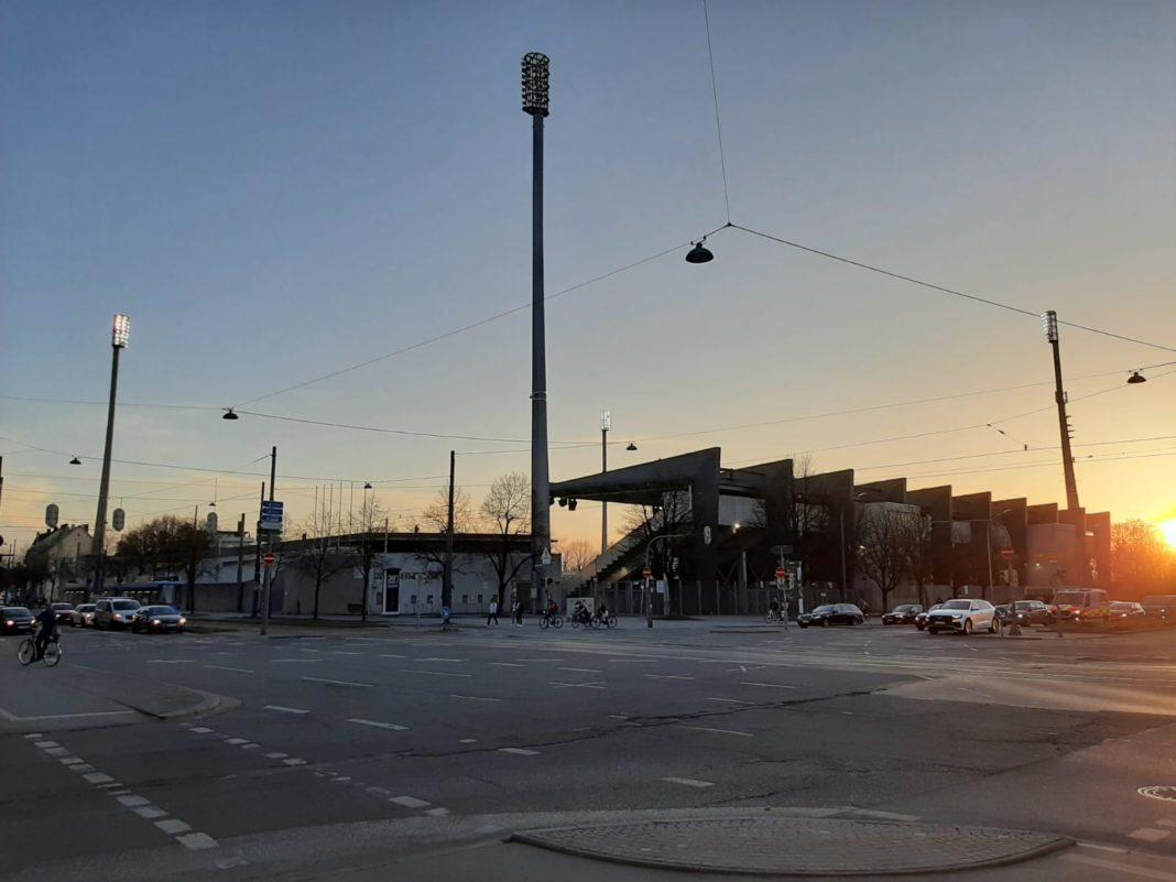 Grünwalder Stadion München-Giesing im Sonnenlicht