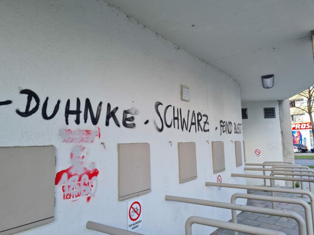 Graffiti vor Bayern II - Hansa Rostock am Grünalder Stadion