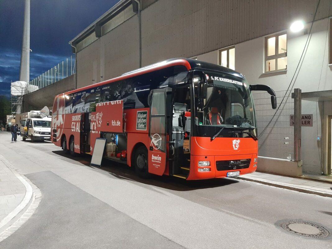 Mannschaftsbus 1.FC Kaiserslautern Rote Teufel 3.Liga