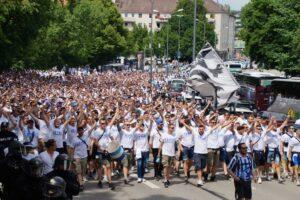 Fanmarsch Giesinger Berg TSV 1860 München vor Aufstieg in die 3.Liga 27.05.2018