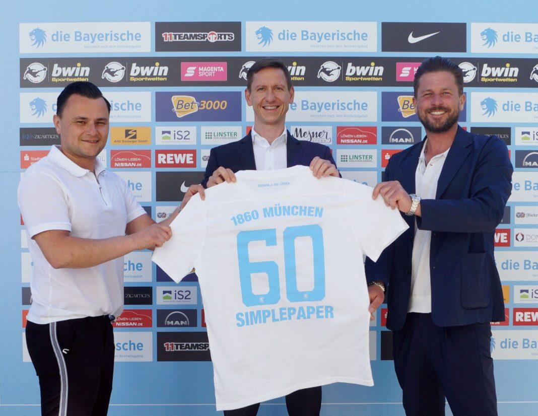 SIMPLEPAPER ist neuer PremiumPartner beim TSV 1860 München (Bild mit Nicolai Pfeifer)