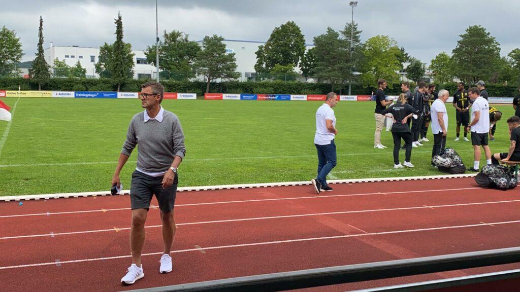 Trainer Michael Köllner beim Spiel des TSV 1860 II gegen TSV Schwaben Augsburg am 25.07.2021