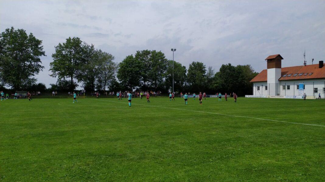 Unentschieden der TSV 1860 Frauen beim SV Adelshofen Nassenhausen